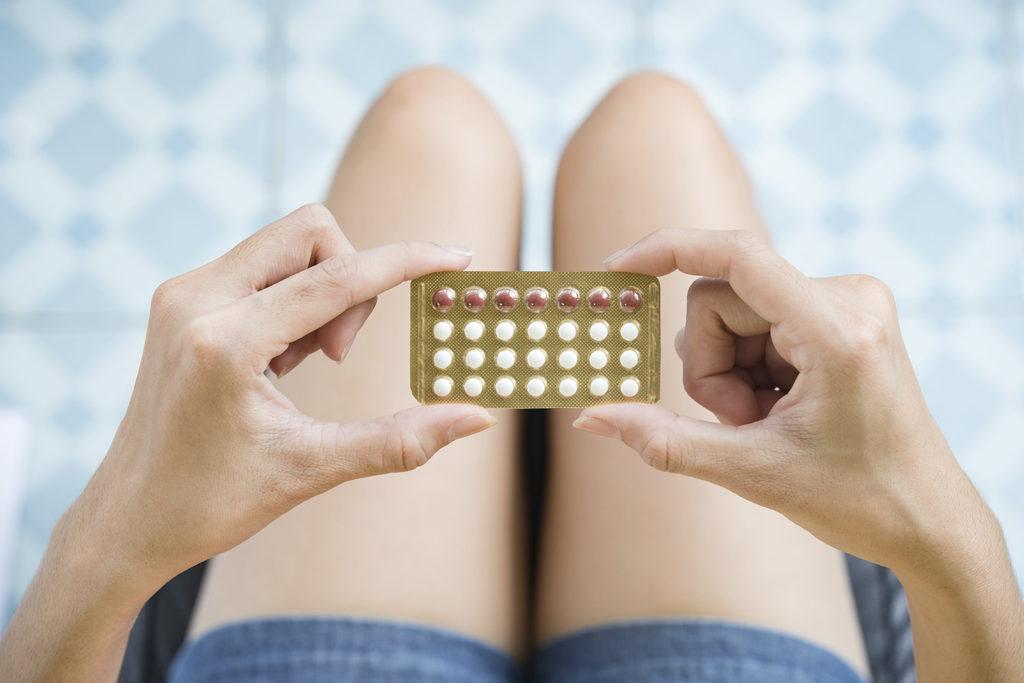 Tabletki antykoncepcyjne – co osłabia ich działanie